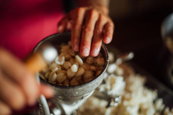 preparing arepa
